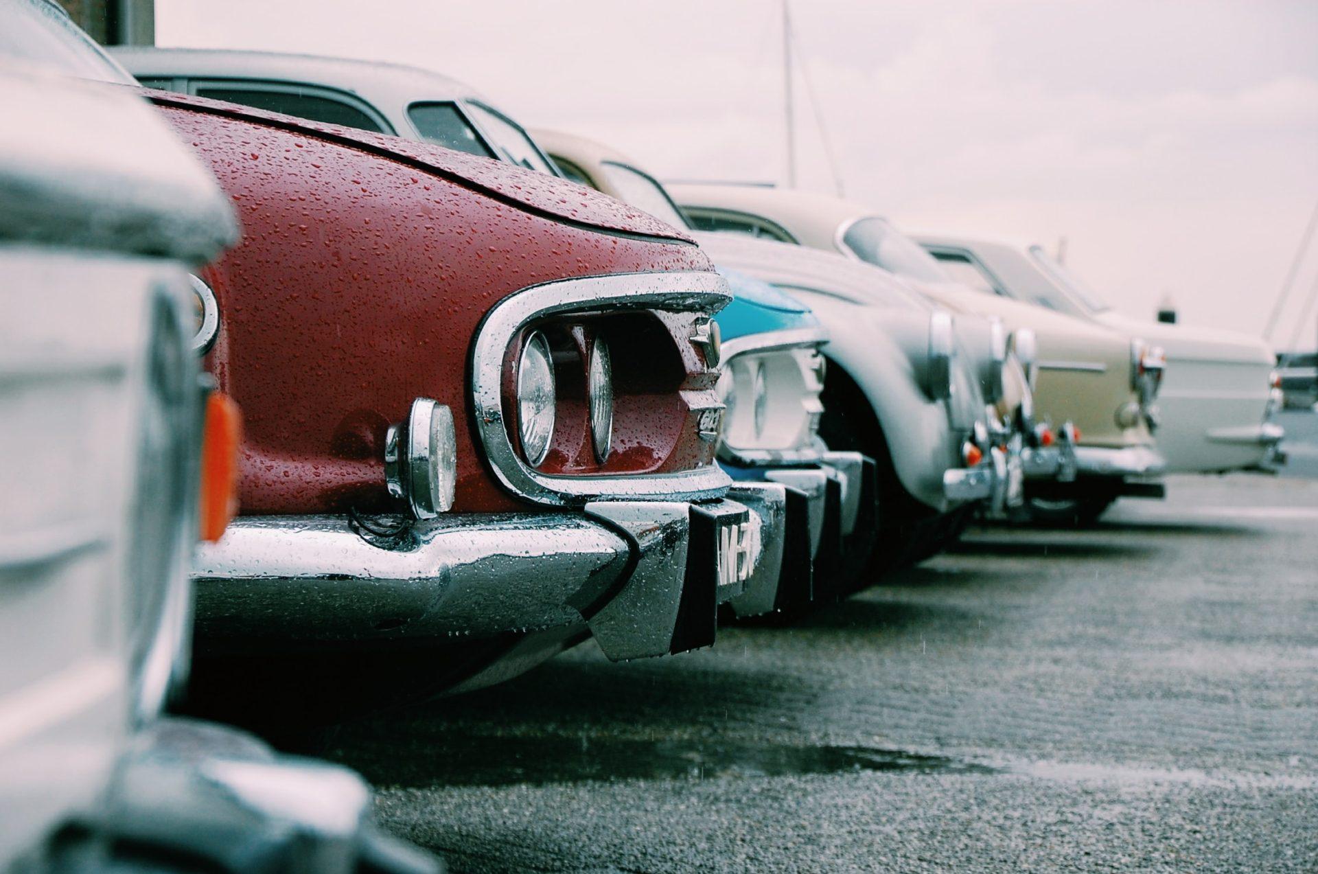 KAAフェアーは厳選中古車を販売しております